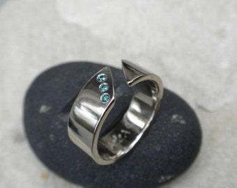Palladium White Gold Wedding Ring with Blue Diamonds