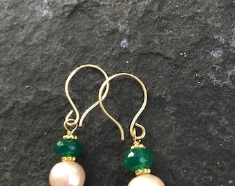 Green Onyx and  Creme  Pearl Dangles \\ Boho Jewelry  \\Onyx Earrings \\Sundance Style  \\ Pearl Earrings  \\Dainty Earrings \\