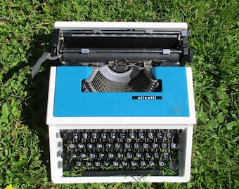 Vintage Typewriter Olivetti, Blue Typewriter, Working Portable Type Writer, Manual Writing Machine with Case