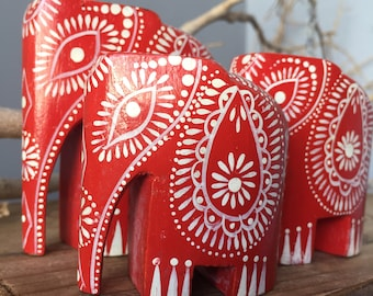 VINTAGE HOME...set of 3 elephants,red handpainted wood,family herd,home yoga Indian boho indie zen decor,wedding gift,office strong symbol