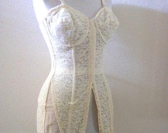 Vintage des années 30 40 s Corset Ivoire - Ivoire dentelle Long Ceinture Corset avec un crochet et oeil - ouvert bas baleiné Corset ceinture - fermeture à moyen estimé