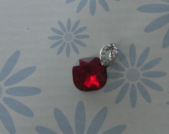 Silver red rhinestone pendant