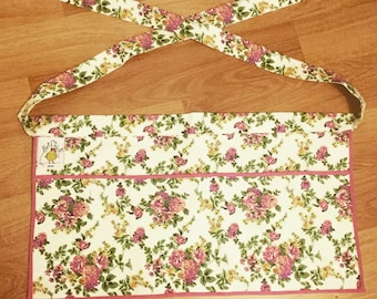 Womens white floral half apron with pockets