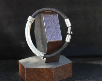 Vintage Sterling Silver Black Leather Cord Bracelet / size 8.5