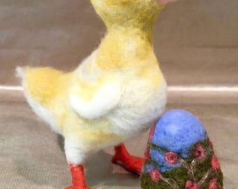 Needle felted duckling, felted duck, felted Easter egg, felted Easter doll, felted Easter animal, Easter decor, Easter ornament, kids decor