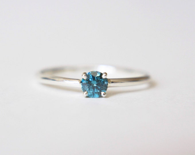 4mm Round Blue Diamond Ring
