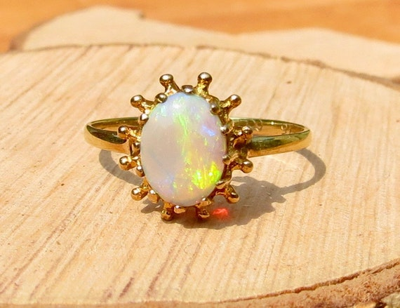9K yellow gold natural opal cabochon ring made in 1975
