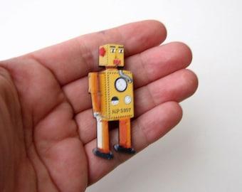 Lilliput robot brooch . retro robot pin . Japan tin toy robot BROOCH PIN