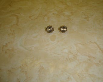 vintage clip on earrings goldtone filigree small
