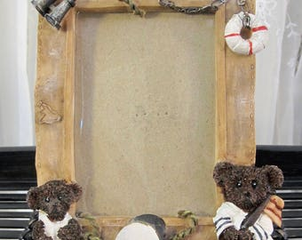 "Vintage 90's small bear picture frame 5"" x 7"""