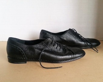 Vintage Salvatore Ferragamo Womens Oxford Shoes Size 8 Italy Leather  Lightweght Lace Up Wing tip