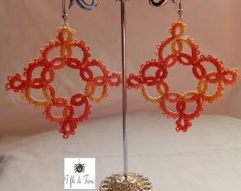 Earrings at the tatting rims in rhombus