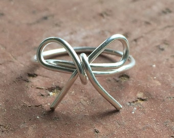 "Dainty ""Forget-me-Not"" Bow Silver Wire Knuckle Ring"