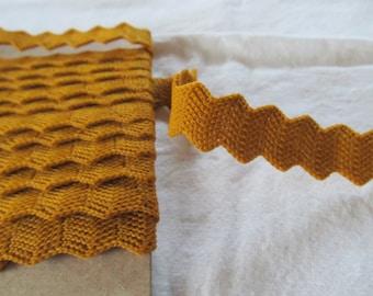 acrylique zig-zag TRIM - caramel - un peu moins de 3 mètres