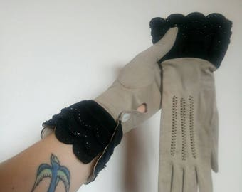 Vintage 30s scalloped wrist beaded gloves size 7 1/4