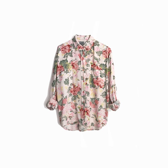 Vintage 90s Floral Boy-Shirt in Pink Rose / 90s Floral Print / Granny Florals / Long Sleeve Shirt - women's medium