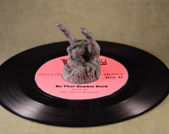Zombie Rock 45  RPM Record adapter Ghoulish Grey