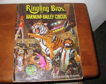 """RINGLING BROS. and BARNUM Bailey Circus Souvenir Program & Magazine 1972 102nd Edition 10"""" x 13"""" Soft Cover The Greatest Show On Earth"""