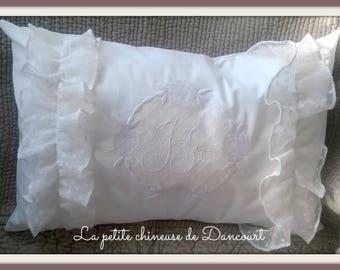 Pillow shabby madder