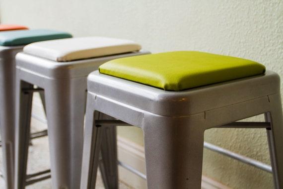 coussin carr tabouret pour tabourets m tal tolix tabouret. Black Bedroom Furniture Sets. Home Design Ideas