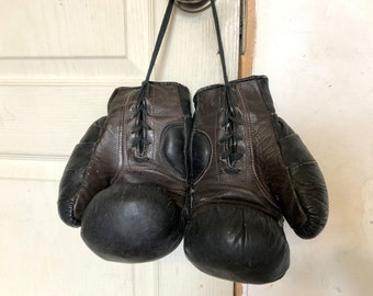 Vintage Soviet Boxing Gloves. Brown Leather Boxing gloves. Soviet Sport Memorabilia. USSR. Retro Boxing Gloves.