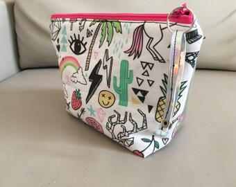 Make-up zippered pouch
