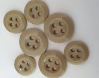 set of 7 light khaki buttons ideal glass sewing or scrapbooking 13-16 mm
