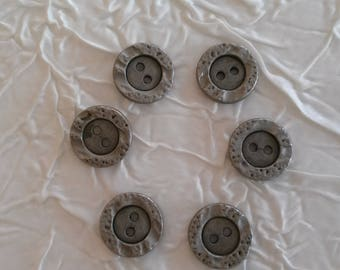 Lot 10 buttons vintage haute couture metal antique silver plated. In relief. 18 mm.