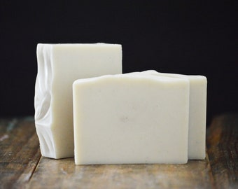 Barber's Soap | Luxury Butter Shaving Soap with Bentonite Clay, Masculine Scented Handmade Cold Process Soap Bar