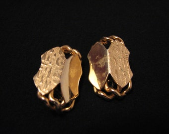 Vintage Gold Tone Textured Panels Clip Earrings