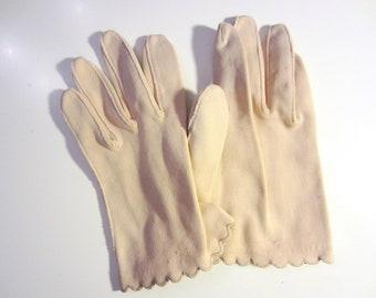 30s Buttercream Wristlet Gloves, 6.5 / XS // Vintage Gloves