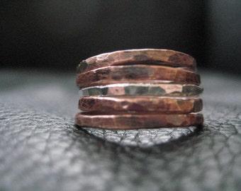 Anneau d'empilement mariage mixte métal rustique organiques martelé