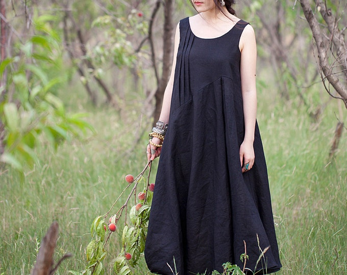 Sleeveless Dress - Ample tunic - Asymmetrical base - Neck Round - Spring / Summer dress - Linen dress - Made to order