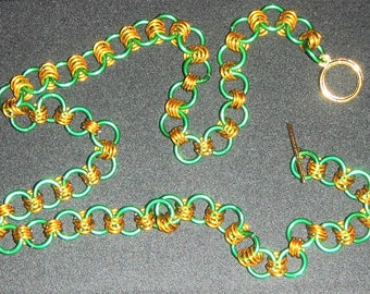 Cute Green One-by-Four Chain Maille Necklace