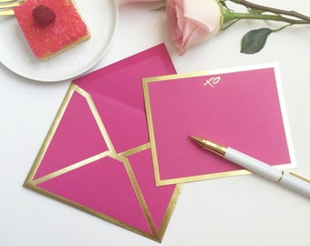 XO Fuchsia Stationery Card with Gold Foil Bordered Envelope