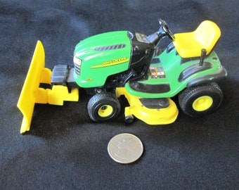 Vintage John Deere Model Lawn Tractor L110 Automatic Toy