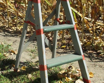 3 Step Ladder Folding Painted Wood Shabby Chic Stool Rustic Display Vintage r