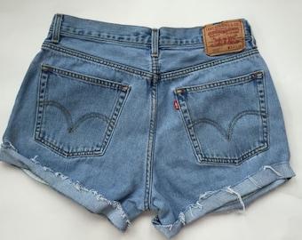 SALE High waisted Vinatge Levi shorts