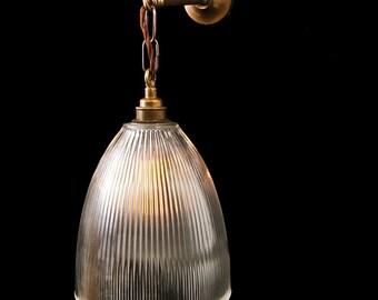 Fend Prismatic Wall Light