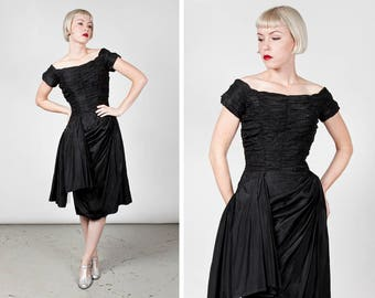 1950s Black Taffeta Suzy Perette Ruched Wiggle Party Dress