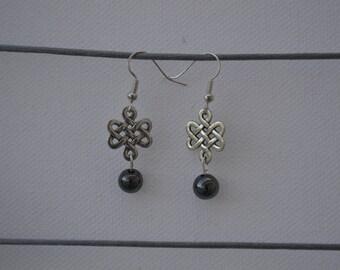 Earrings dangling Celtic and Pearl