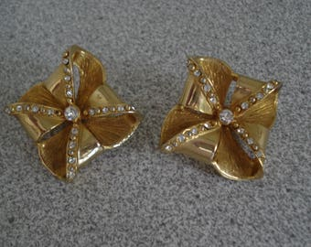 VINTAGE DISCO Style- Gift Box look Clip on EARRINGS. Gold Tone Plated Earrings, with Rhinestones Accents.