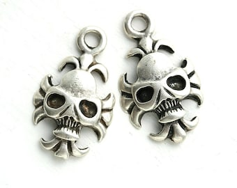 Silver Skull charms, Antique Silver metal skull bead, Halloween charms, Black Patina, Greek beads, Lead Free - 2pc - 2641
