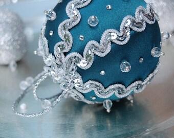 TUTORIAL - No sew fabric ball ornament pattern - Instructions - DIY Christmas