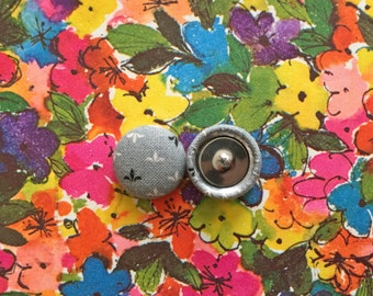 Fabric Covered Button Earrings / Wholesale Jewelry / Gray / Fleur de Lis / Gifts for Her/ Vintage Print / Stocking Stuffers / Stud Earrings
