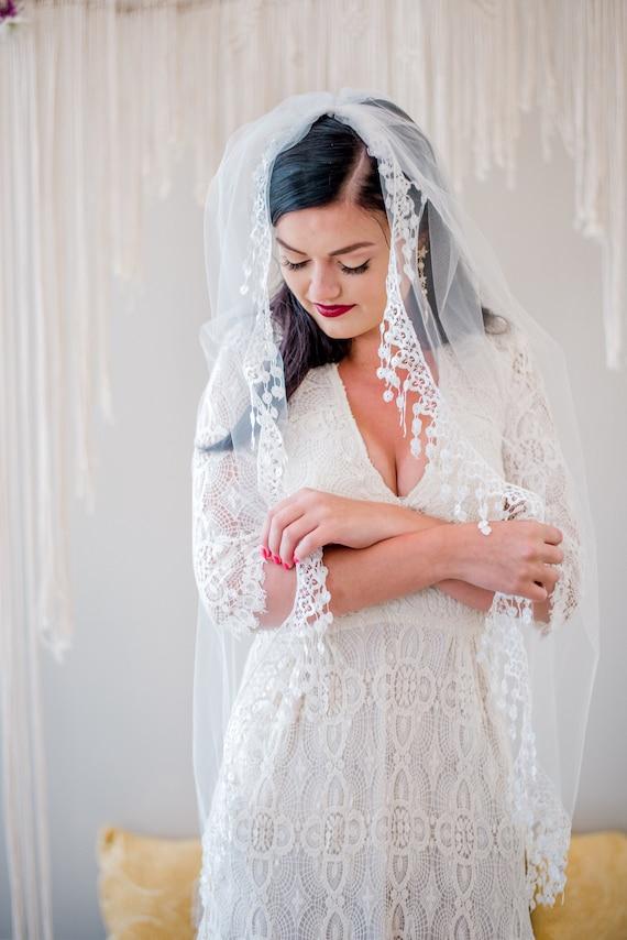 Custom Order for Amarchesisi23-  Fingertip Veil, Hip Length Veil, Ballet Veil, Wedding Veil, Lace Trim Veil, Fringe Trim Veil, Veil PIPER