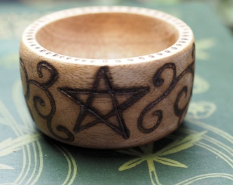 Pentagram & Spiral Wooden Offering Bowl - Altar Bowl - Witchcraft, Wicca, Pagan, Magic, pentacle