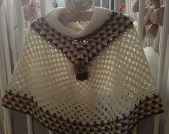 Poncho cowl crochet ball