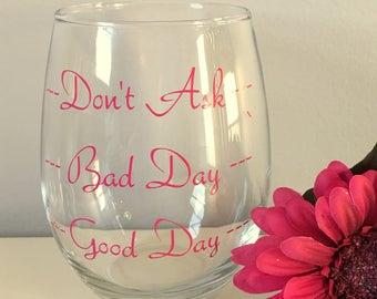 Personalized Wine Glasses, Custom Wine Glasses, Wine lover, Personalized Birthday Gift, Personalized Gift, Gift For Teacher, Wine Glasses