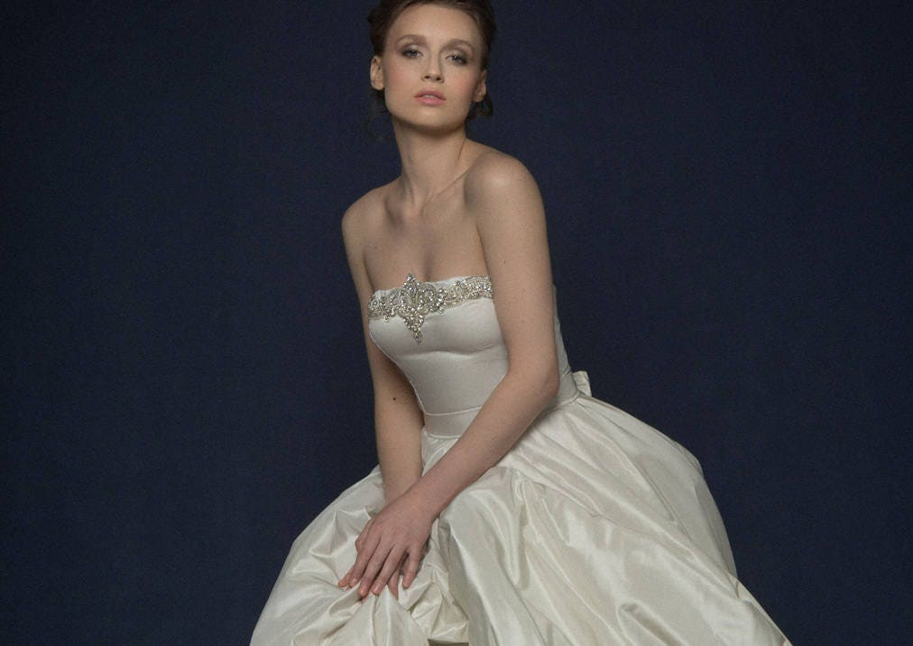 FILUSA / Pearl Silk Corset Wedding Dress With Off Shoulder